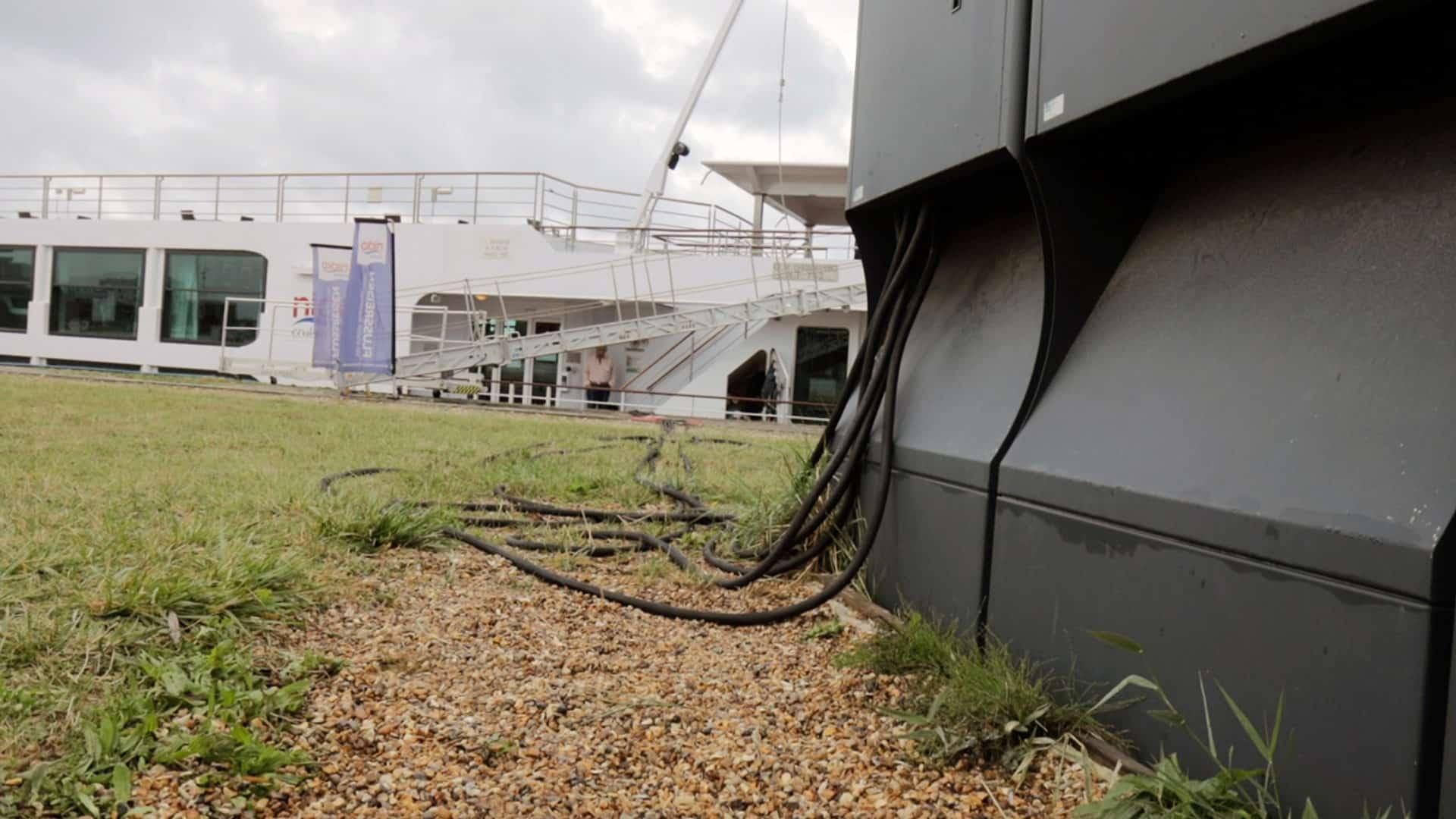 Une borne électrique pour bateaux installée au Havre